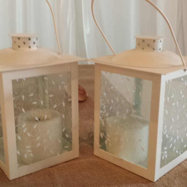 White LED lanterns (candle included)